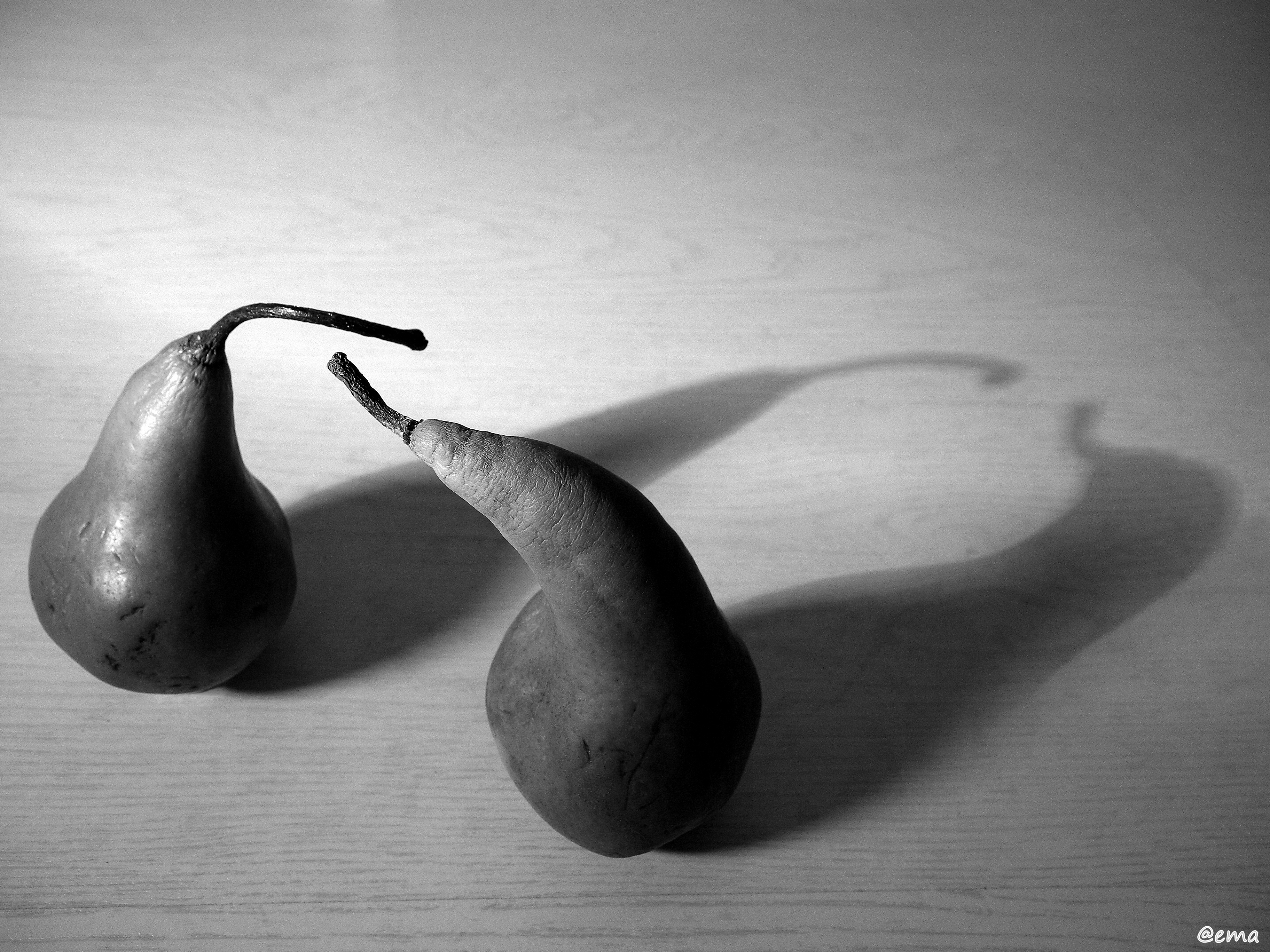 Love at first sight posted in black and white tagged peaches photography still life